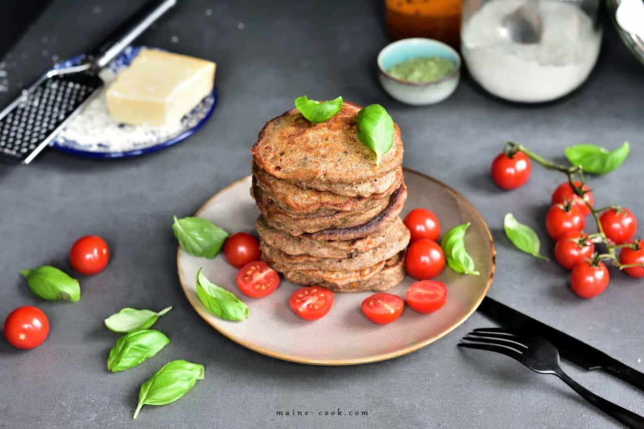 gryczane pancakes z suszonymi pomidorami i parmezanem 1 buckwheat pancakes with sun dried tomatos and parmesan