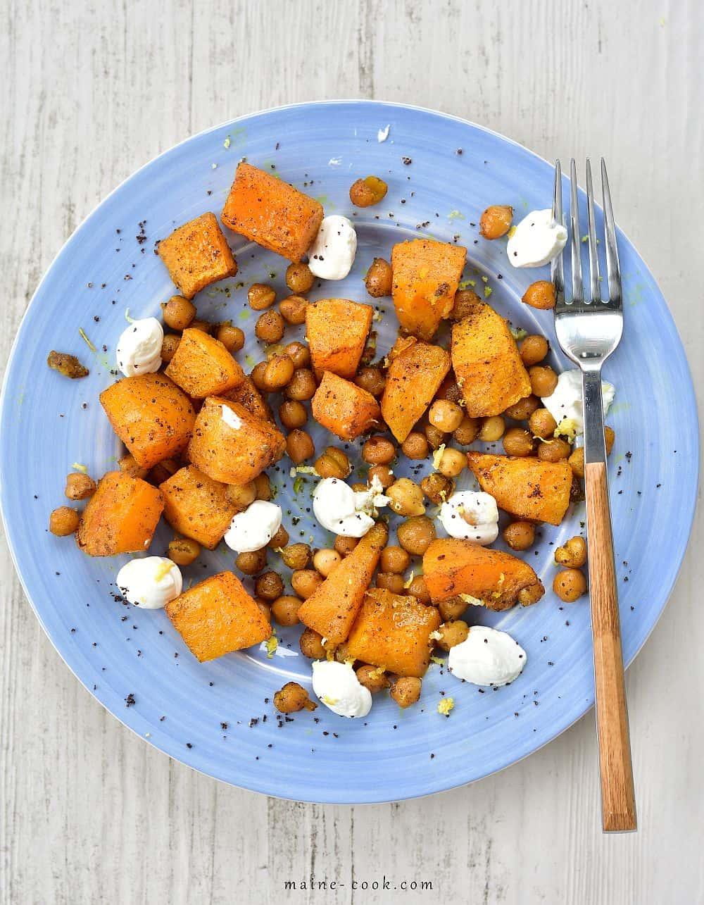 dynia z ciecierzycą i kozim serem roasted pumpkin with chickpeas and lemony goat's cheese