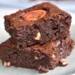 brownie fistaszkowe ze śliwkami brownie with peanuts and plums brownie mit erdnüsse und zwetschken