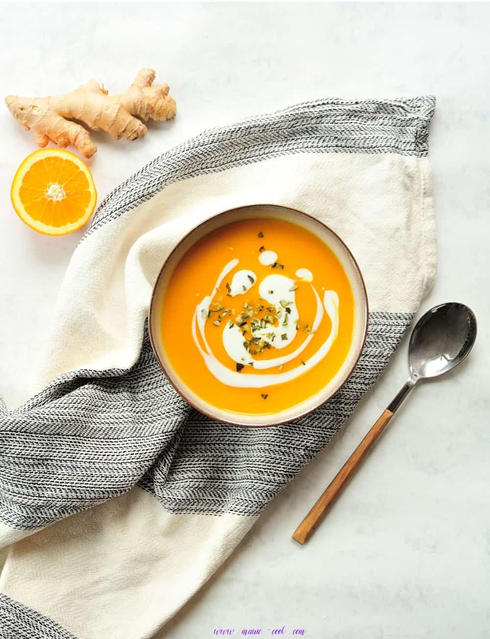 Zupa dyniowa z imbirem i pomarańczą Pumpkin ginger and orange soup