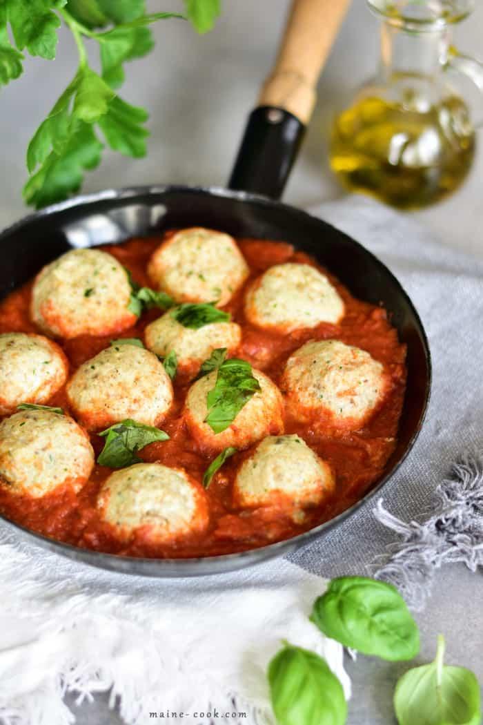 Pulpety z ricottą w sosie pomidorowym Polpette di ricotta al sugo Ricotta balls in tomato sauce