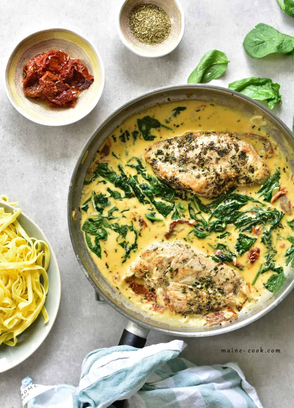 Kurczak po toskańsku - w kremowym sosie z suszonymi pomidorami i szpinakiem Tuscan Chicken in creamy sun-dried tomato and spinach sauce