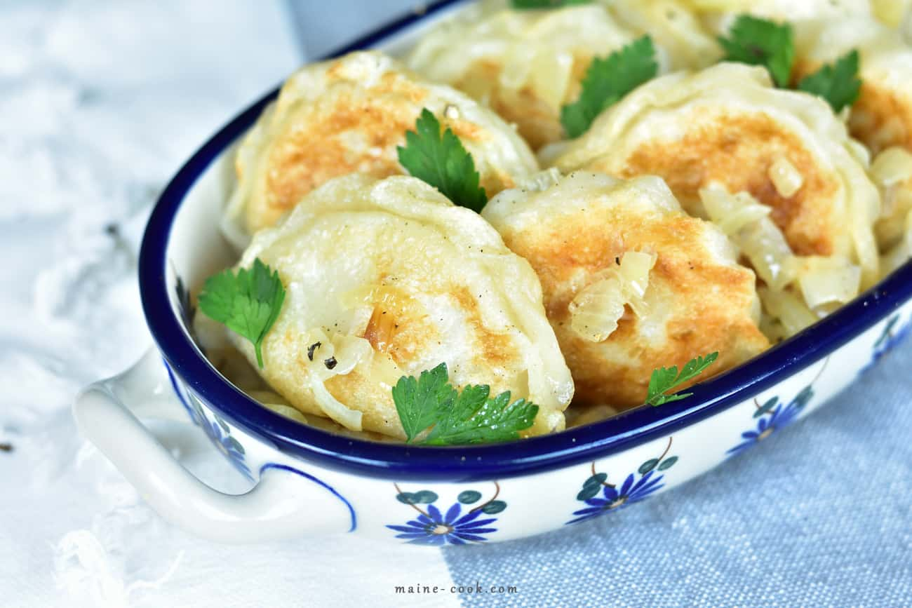 Przepis na najlepsze pierogi ruskie Potato, onion and white cheese pierogi (polish dumplings, pierogi ruskie) www.maine-cook.com 1
