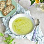 Zupa krem z cukinii z groszkiem i miętą Zucchini pea and mint soup