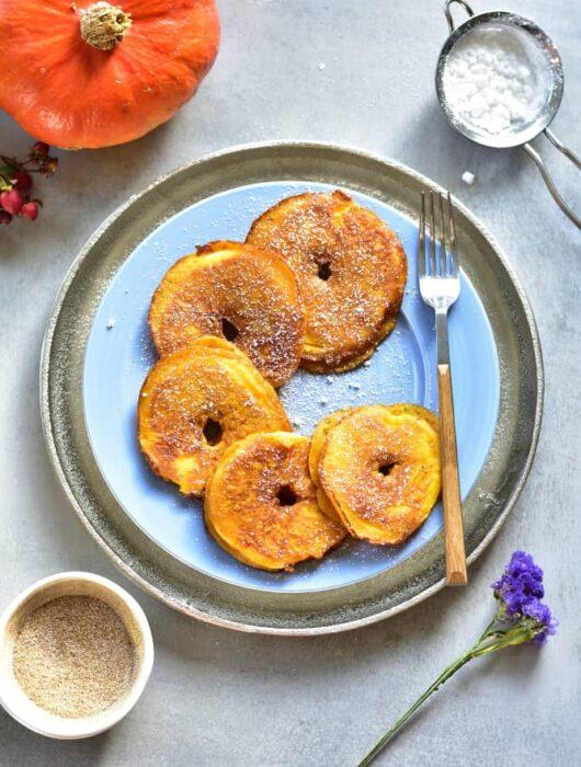 Jabłka w piernikowym cieście naleśnikowym z dynią Pumpkin pie apple ring pancakes