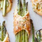 asparagus in puff pastry with cheese and ham