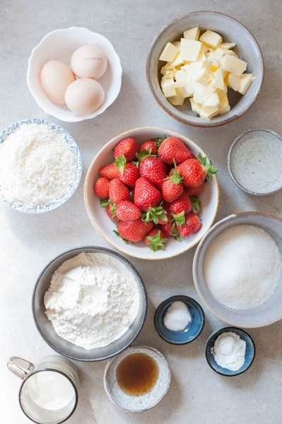 strawberry coconut cake ingredients