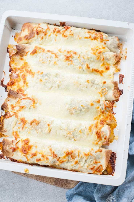 Naleśniki z warzywami i serem (naleśniki z ratatouille) na blaszce do pieczenia